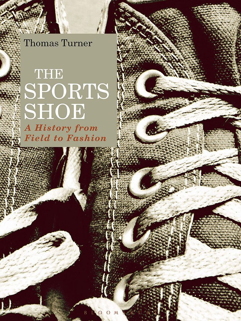 The sport shoe